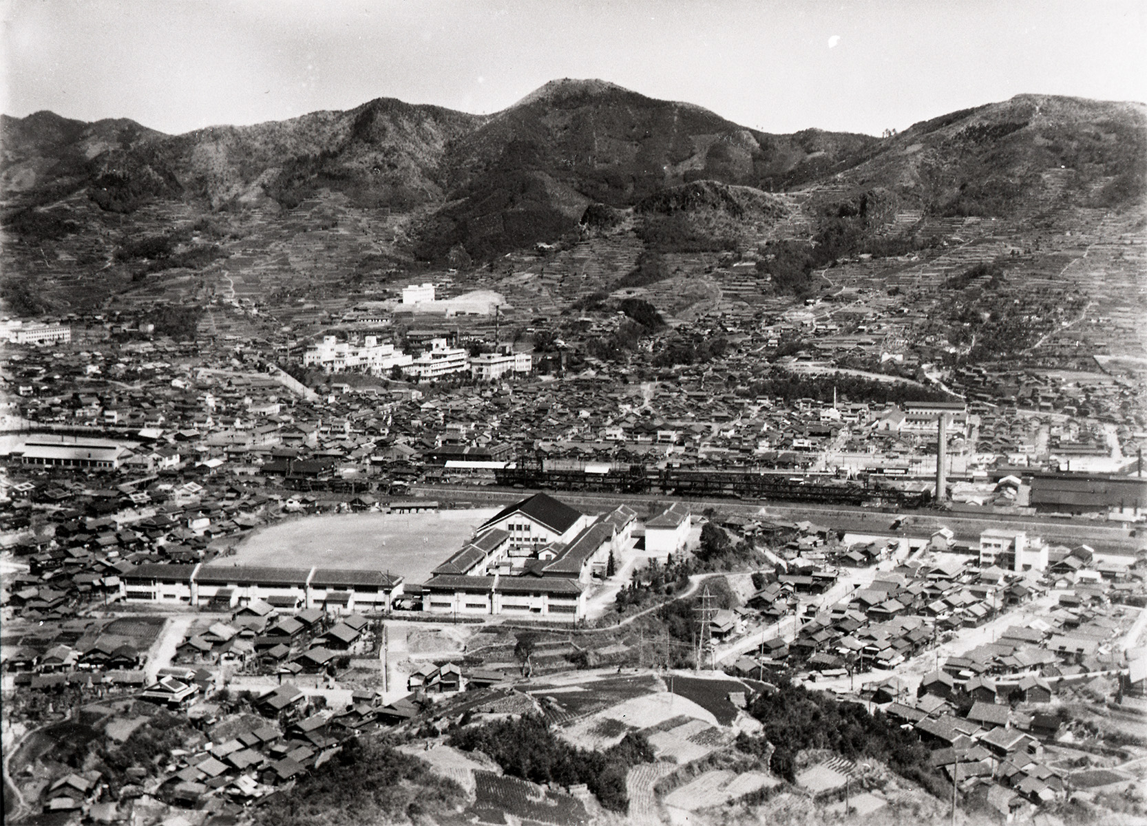 View to the Urban Area of Nagasaki from the Mid-slope of Mt. Inasa ―Nagasaki Nishi High School―