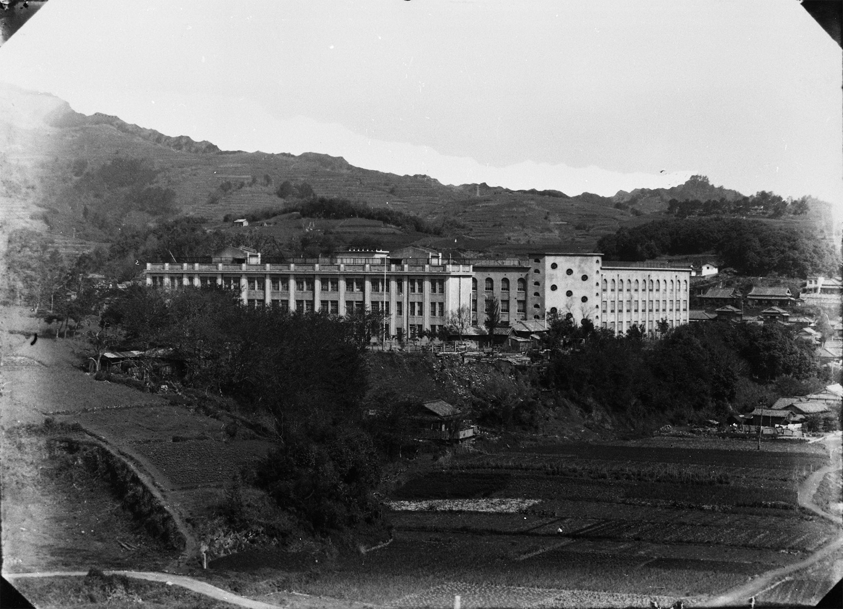 Shiroyama Elementary School(before the atomic bombing)